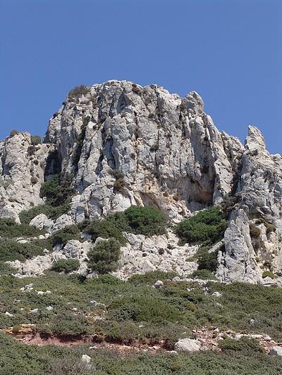 Aspri Petra (White Rock cave)